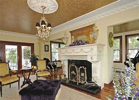 amityville horror house for sale the real amityville horror house up for sale take a look inside