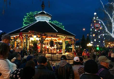 yakima christmas lights walking in a winter entertainment yakimaherald