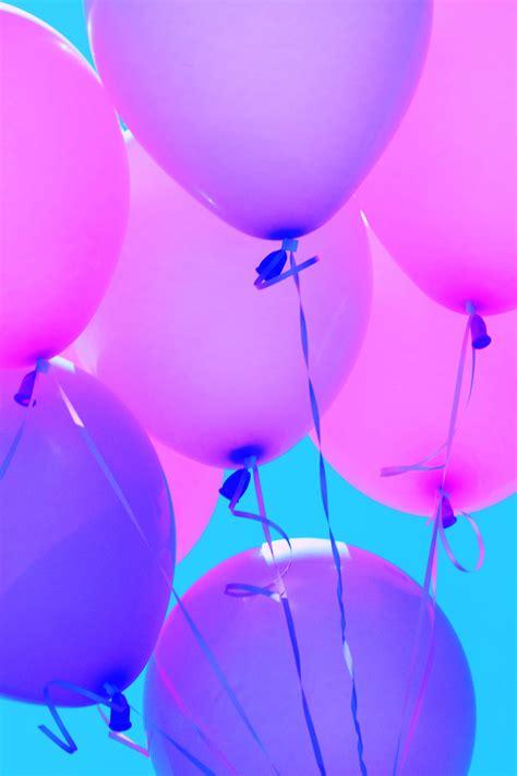 Purple balloons wallpaper