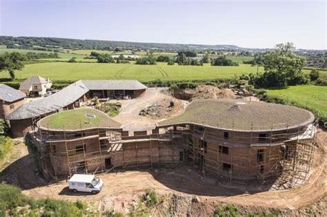 grand designs cob house episode grand designs programme about kevin mccabe s zero carbon