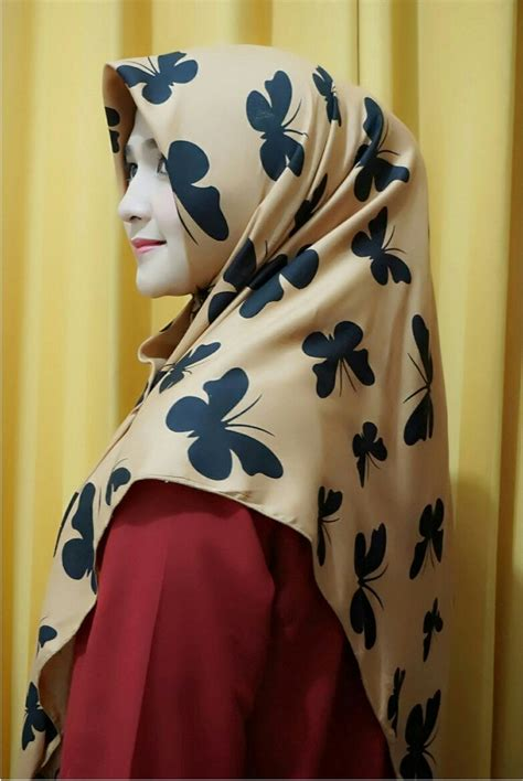Segi Empat Motif Seri Ungu model jilbab segi empat motif butterfly seri 1 terbaru bundaku net