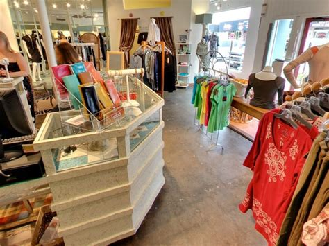 must shop houston boutiques free of the chains to