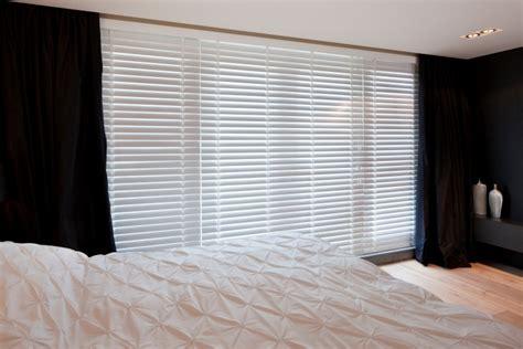 houten lamellen raamdecoratie houten jaloezie 235 n op maat jasno raamdecoratie houten