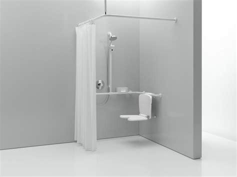 duschvorhang mit bleiband hewi vorhangstange mit deckenabh 228 ngung und duschvorhang