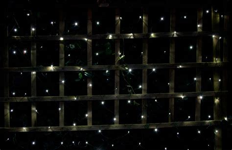 100 led solar net light white