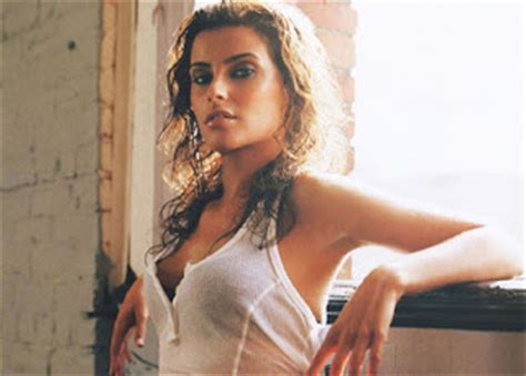 Nelly Furtado Fergie Issues by Urbanconnection May 2007