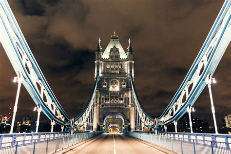 incredible  capture londons empty streets