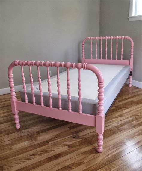 jenny lind bunk bed 25 best ideas about twin beds for kids on pinterest
