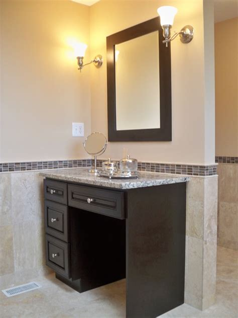 Travertine master bath with double vanity amp makeup vanity traditional bathroom
