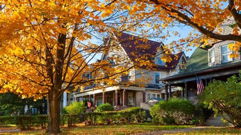 best season to buy a house the best time to buy a house may be fall after all realtor com 174