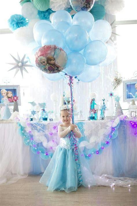 arreglos con globos de frozen decoracion con globos de fiesta de frozen