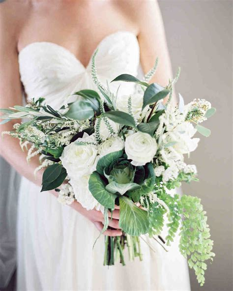 White Wedding Bouquets For Brides by 40 White Wedding Bouquets Martha Stewart Weddings