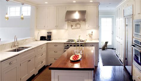 L Shaped Kitchen Islands With Seating White Shaker Kitchen Cabinets Transitional Kitchen