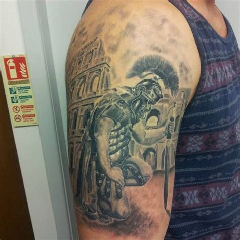 roman soldier tattoo soldado romano reverenciando sleeve in progress