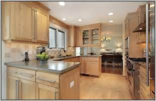 paint colors for kitchens with light brown cabinets