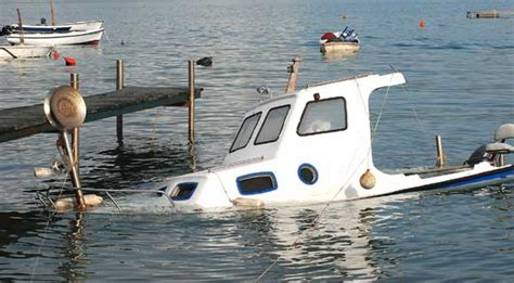 what is a boating accident boating accident statistics show florida had 737 boating