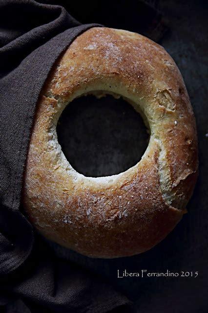 pane per celiaci fatto in casa pane senza glutine a ciambella