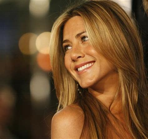 Jen Anistons 5 Million Tell All by Middle East News Aniston Reportedly Signs 5