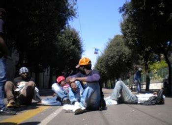 permesso di soggiorno per disoccupazione sudnews rinnovo permessi di soggiorno per attesa occupazione