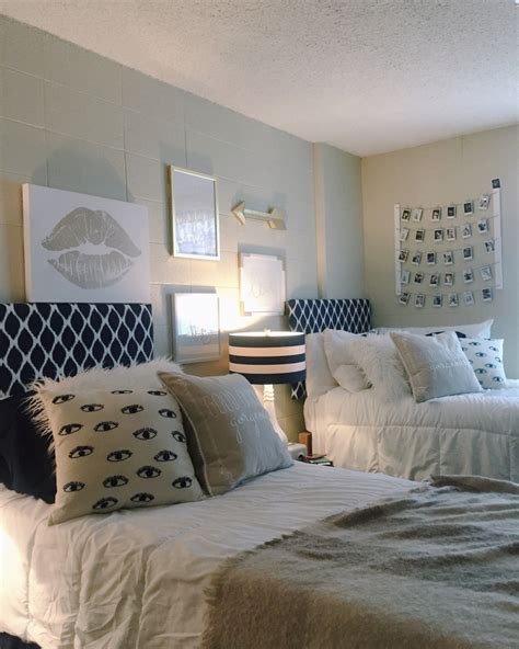 room wall how to decorate your without damaging your walls havenly hideaway