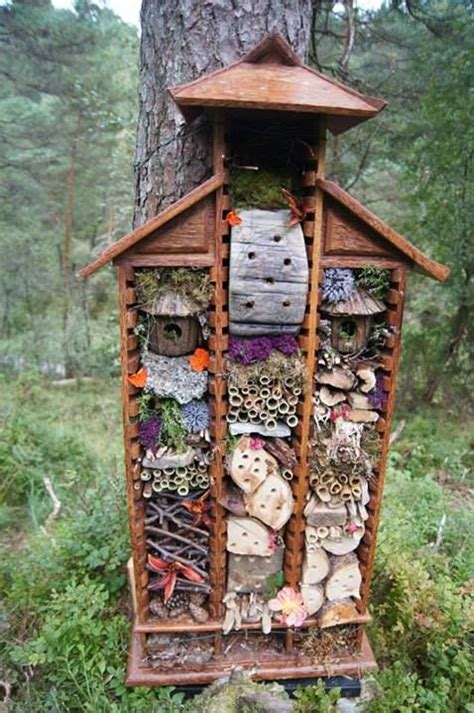bed bugs hotel bug hotel fantasifantasten outdoors at the sunflower school