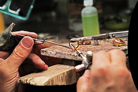 Vacancy For Bench Jeweler Massachusetts United States Esslinger Watchmaker