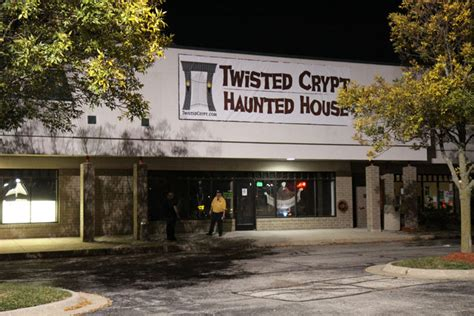 house crypt haunted monster hauntedillinois com twisted crypt haunted house