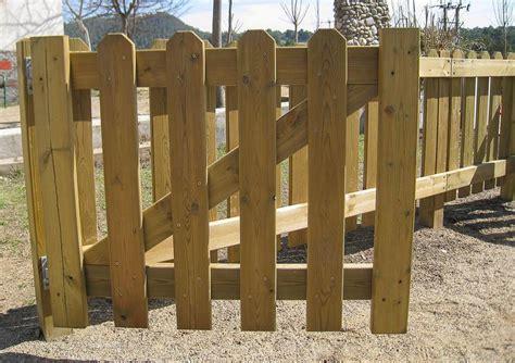 porton echo con palet hacer puerta de madera trendy puertas de palet with hacer