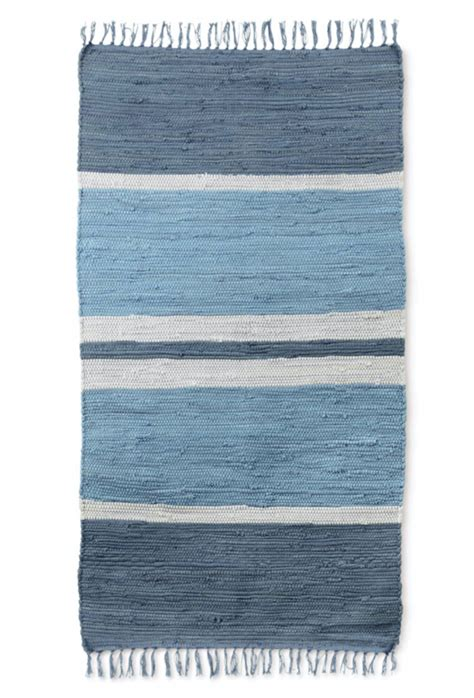 aldi rugs aldi s special buys include graphic prints and soft furnishings from 6 99 houseandhome ie