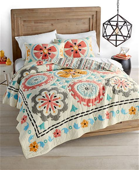 macys bedding quilts closeout whim by martha stewart collection desert daisy