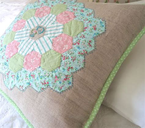 Hexagon Shapes For Patchwork - the 25 best hexagons ideas on hexagon quilt