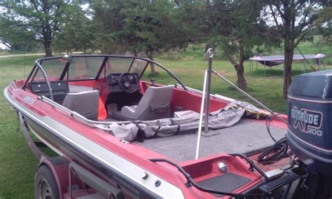 stratos boats clothing 1989 stratos ski fishing boat nex tech classifieds