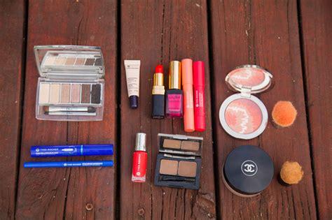 si possono portare liquidi nel bagaglio a mano beautycase archives irene s closet fashion