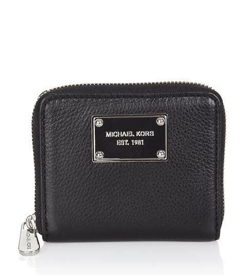 Mk Sml Wallet michael by michael kors jet set zip around small wallet in black jet lyst