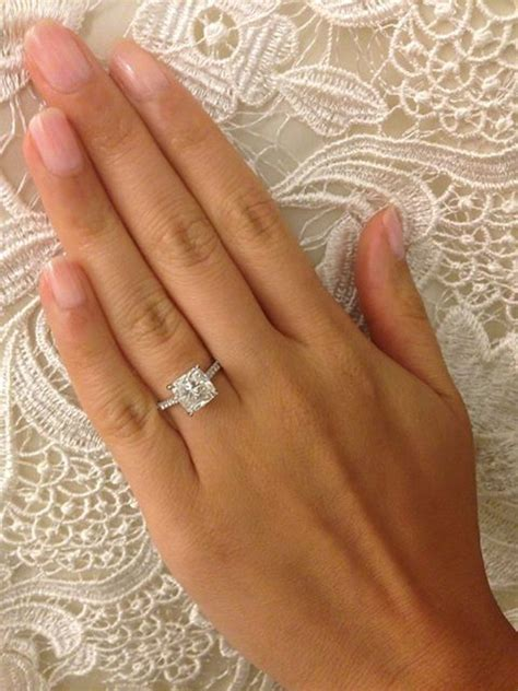 Eheringe Eckig by Gorgeous Square Cut Engagement Rings