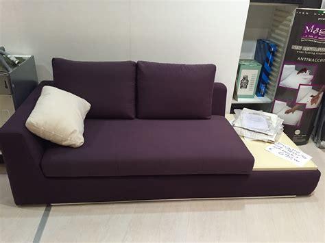 divano due colori divano due colori divani con piani d appoggio integrati