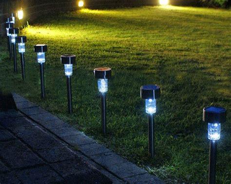 luces jardin solares 191 c 243 mo funcionan las luces solares led del jard 237 n