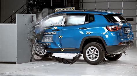 crashed jeep wrangler 100 crashed jeep wrangler buying a jeep wrangler