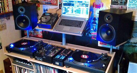 powered speakers  djs