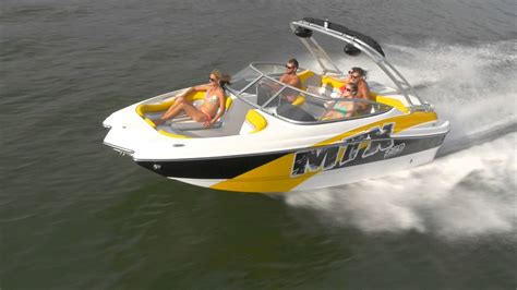 rinker boats lake of the ozarks boating at the lake of the ozarks rinker 220 mtx running