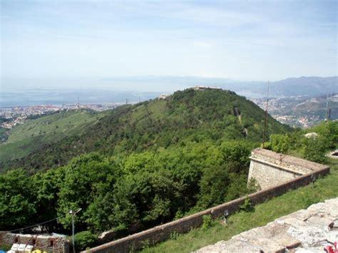 ufficio turismo genova le fortificazioni e le torri levante il parco urbano
