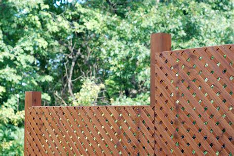 cobertizo rollizos cierres cortavistas y separadores de madera