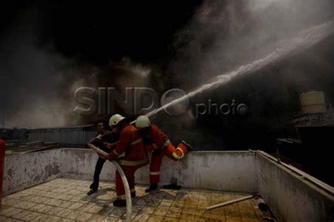 Minyak Goreng Curah Di Pabrik pabrik minyak goreng di bekasi terbakar