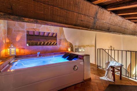 hotel con vasca idromassaggio in hotel toscani con vasca idromassaggio in 7