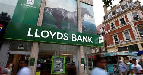 lloyds lloyds bank 590 000 lloyds customers to get 163 480 back each who