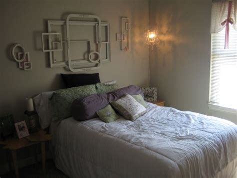 shabby chic college apartment this room was decorated on a small budget but has a lot of