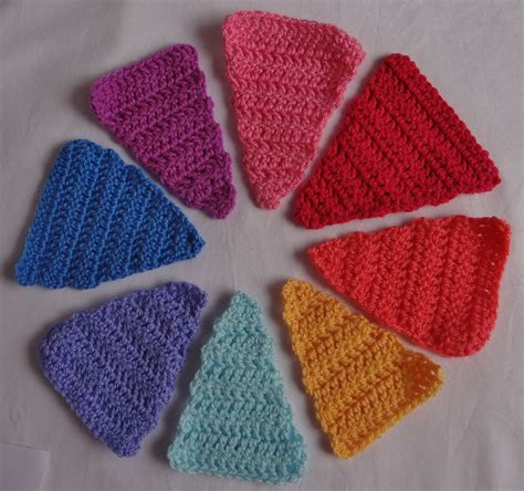 triangle pattern for bunting crochet knitted bunting thestitchsharer