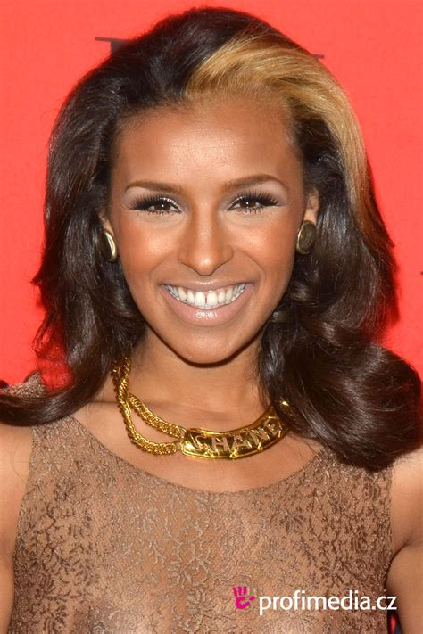 Melody Thornton     hairstyle   easyHairStyler