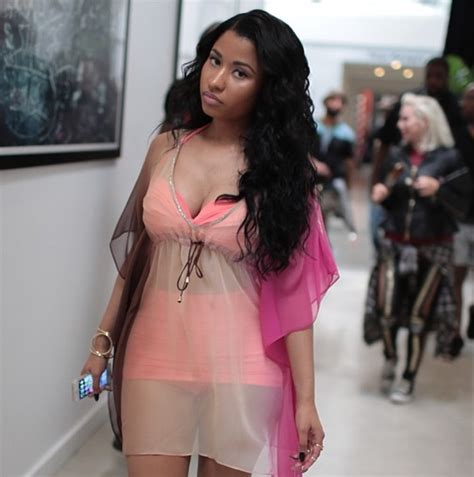 nicki minaj and mendeecees nicki minaj shares sexy instagram photos from new myx