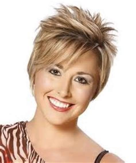 20 photo of short haircuts with lots of layers when selecting a hairstyle it s important to think about